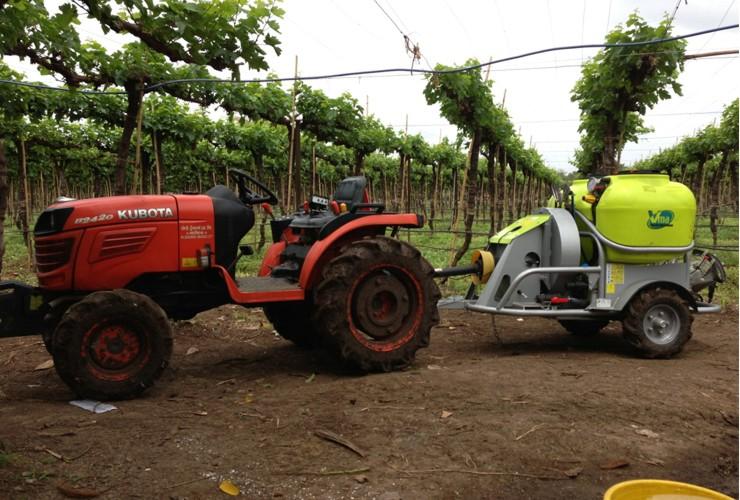 Pulverisateurs-Vignobles en tunnel-Tractés-Nm 300 - 400